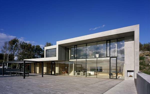 Villa ann vivienda unifamiliar de hormig n vidrio y madera for Casas modernas hormigon visto