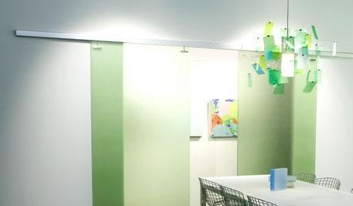 puertas_correderas_paneles de resina