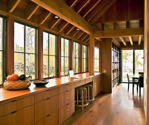 Casa colorado moderna vivienda de madera con doble - Interior casas de madera ...