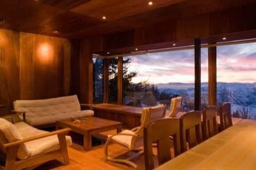 casa montaña con interior de madera