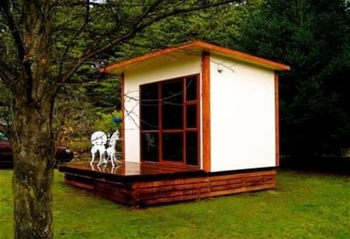 Estructuras prefabricadas de sanctuary studios for Habitaciones prefabricadas precios