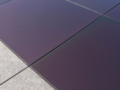detalle-baldosa-fotovoltaica-porcelanosa