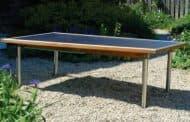 Mesa solar para tener energía en el jardín