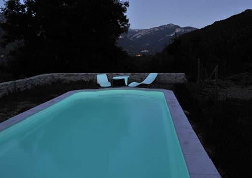 pintura-fosforescente-piscinas