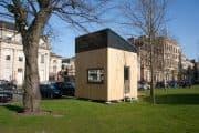 Casa ecológica en un cubo