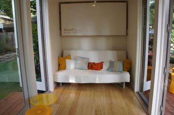 casa contenedor prefabricada sofa cama