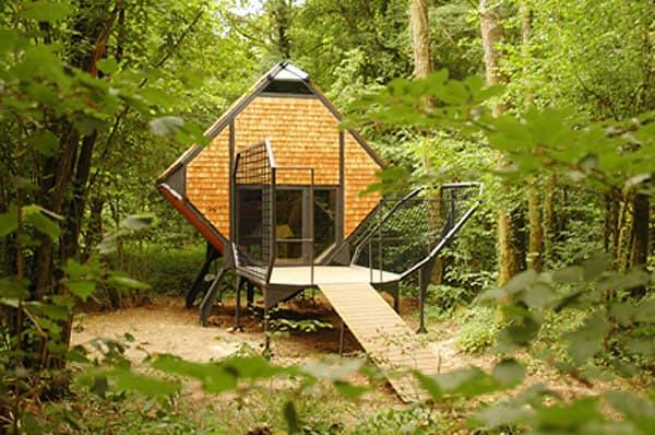 Le nichoir caba a de madera y acero matali crasset - Refugios de madera prefabricados ...