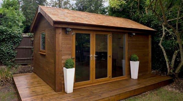 Casetas prefabricadas de madera para el jard n de tsc for Casetas para terrazas