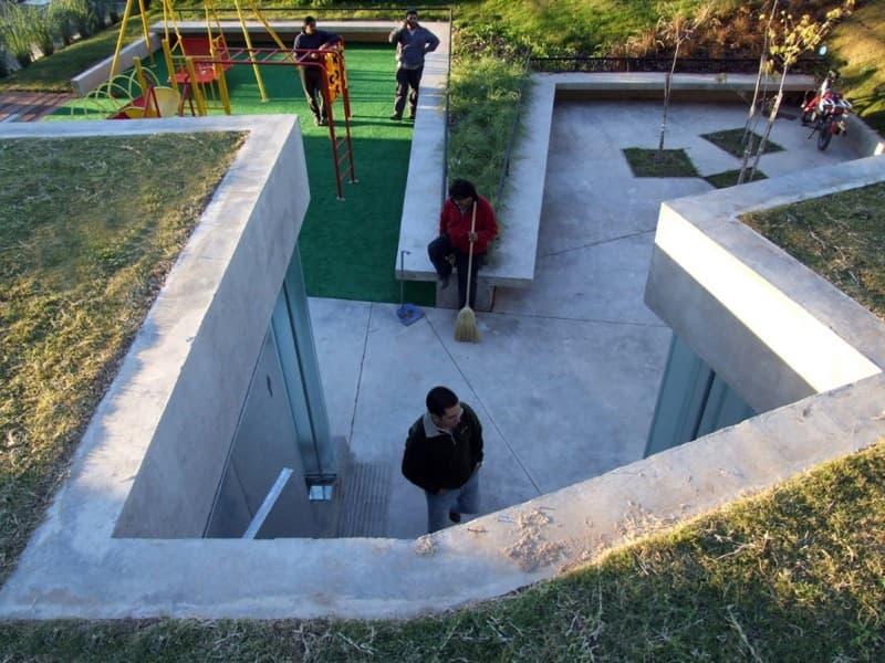 Iluminacion Para Baños Rosario: transversal de los aseos con la cubierta vegetal (clic para ampliar