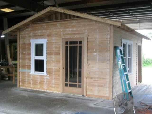 Ampliaci n de casa realizada con una caseta prefabricada for Casetas prefabricadas pequenas