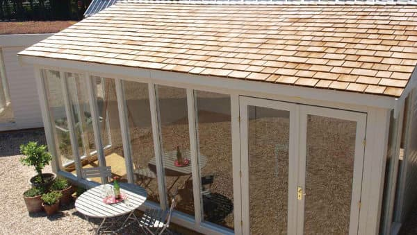 Casetas prefabricadas en madera de crane for Casetas de jardin metalicas baratas