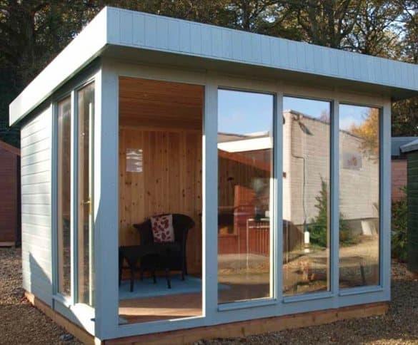 Casetas prefabricadas en madera de crane for Casetas aluminio para terrazas