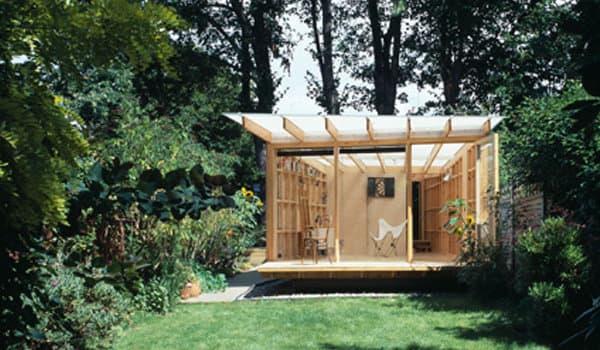 summerhouse refugio urbano de madera para un pintor