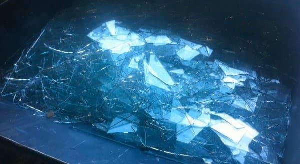Crush-azulejos-de-vidrio-reciclado-hecho-a-mano