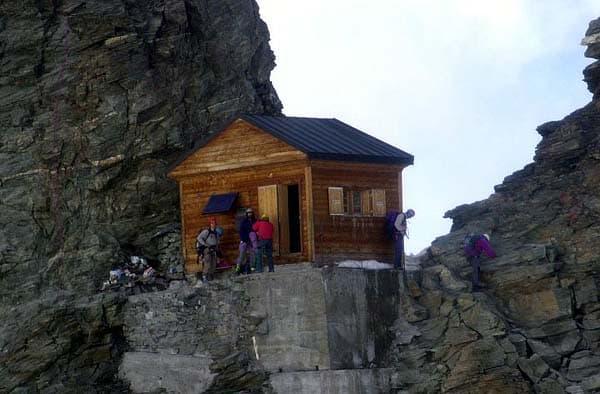 Refugio-Solvay-Monte-Cervino-4