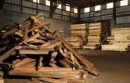 Paneles hechos con madera reciclada