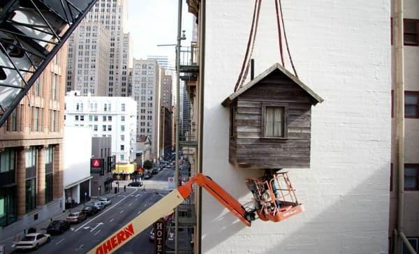montaje-cabaña-madera-colgada-fachada-11