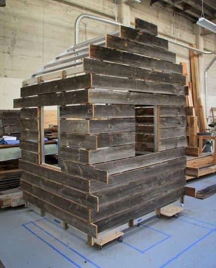 montaje-cabaña-madera-colgada-fachada-5