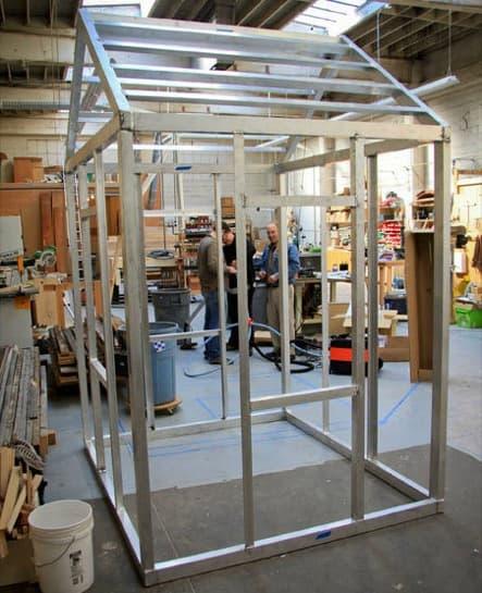 montaje-cabaña-madera-colgada-fachada-7