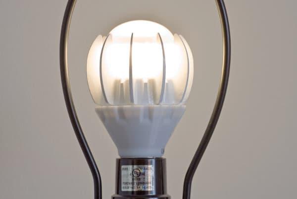 bombilla-LED-GE-encendida
