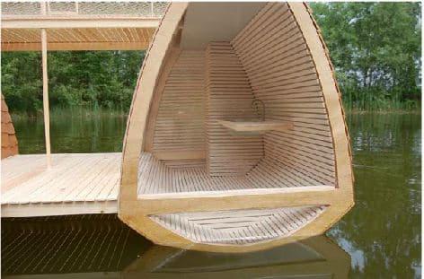 casa-flotante-de-madera-1