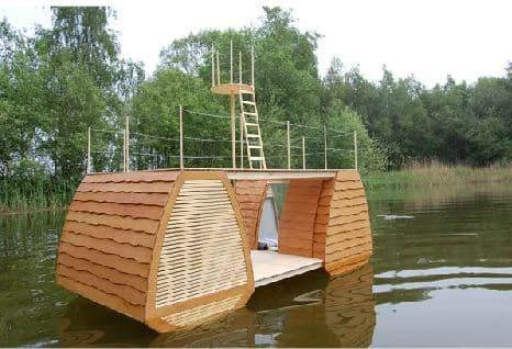 casa-flotante-de-madera-2