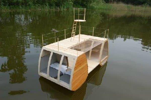 casa-flotante-de-madera-5