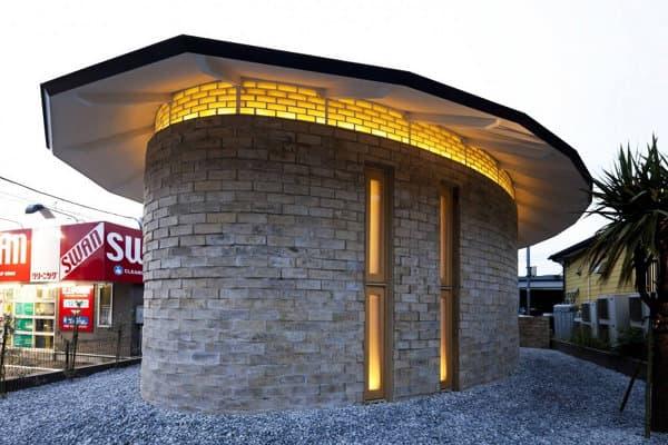 exterior-casa-Earth-Bricks-Atelier-Tekuto