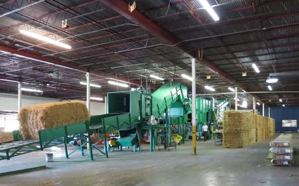 fabricación de tablero CAF a partir de paja y residuos agrícolas comprimidos