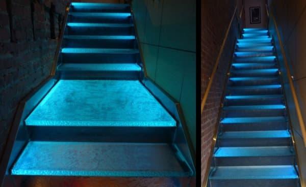 escaleras-peldaños-vidrio-ThinkGlass con iluminación LED