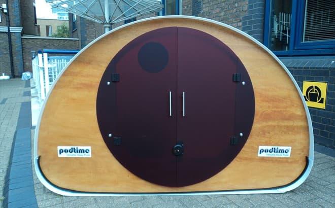 Double_Pod-espacio-prefabricado-entrada