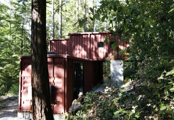 Six_Oaks-casa-container-en un bosque