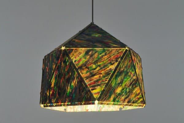 lampara-colgante-de-plastico-reciclado