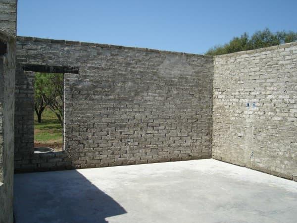 Blox bloques de hormig n que contienen un 65 de material - Muro de bloques ...