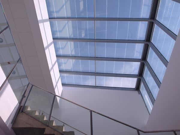 lucernario-vidrio-fotovoltaico-Edificio_LUCIA