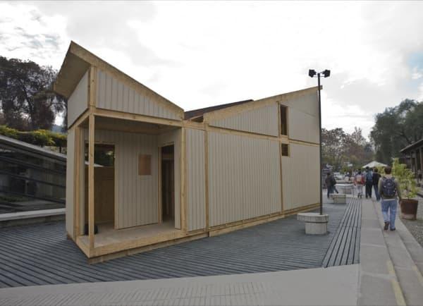 exterior-entrada-VED-casa-prefabricada-emergencia