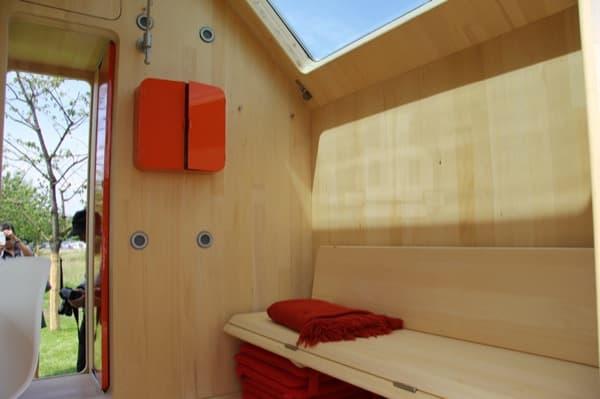 Casa-prefabricada-Diogenes-banco-cama