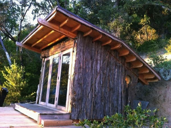 Hawk-House-cabaña-madera-secuoya