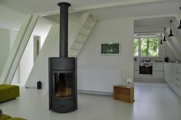 interior-Cabaña-VB4-escalera-acceso-dormitorio