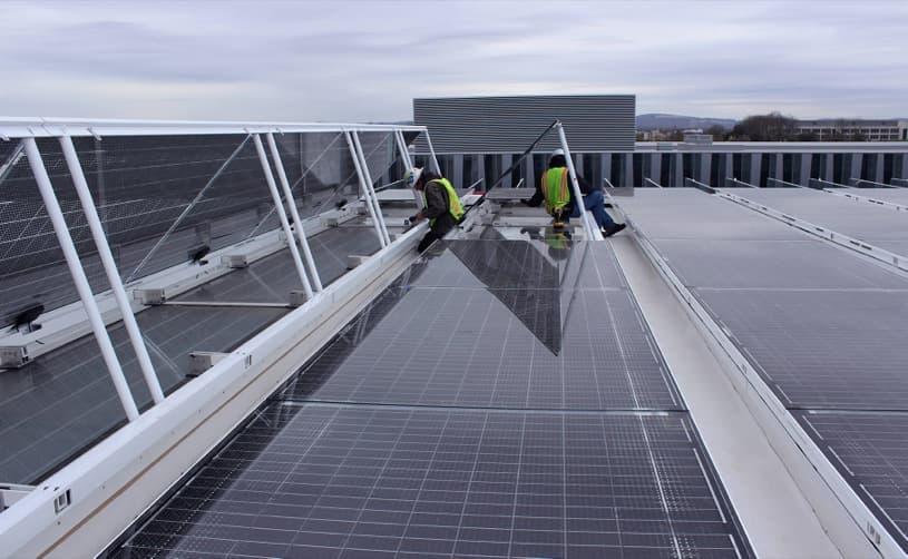 montaje-Lucernario-fotovoltaico-Onyx-Solar