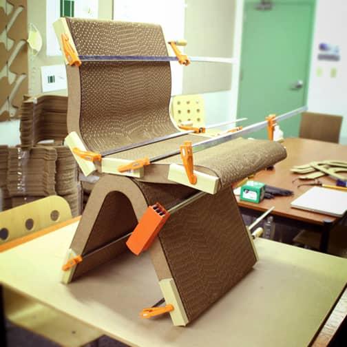 UNA-fabricacion-silla-ecologica-carton