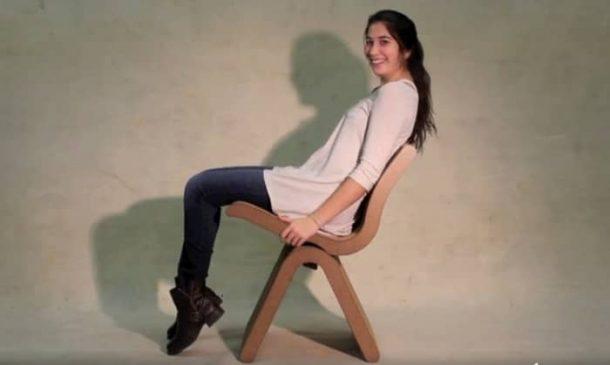 UNA-silla-ergonomica-carton