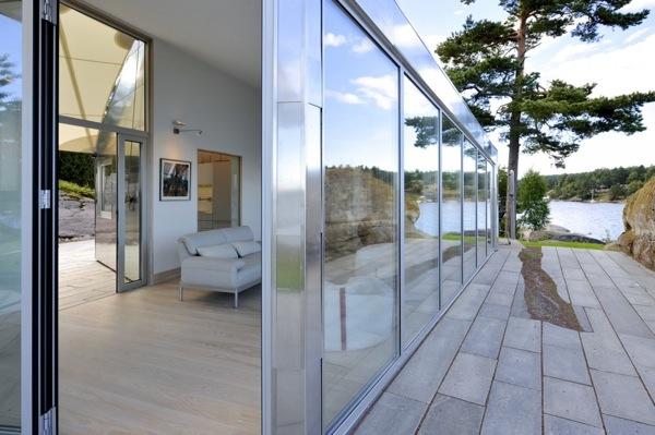 cabaña-aluminio-Noruega-fachada-vidrio