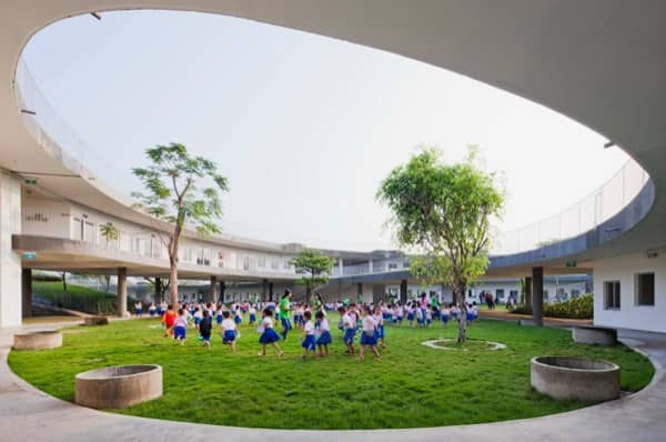 Jard n de infancia con cubierta verde vietnam for Que es jardin de infancia