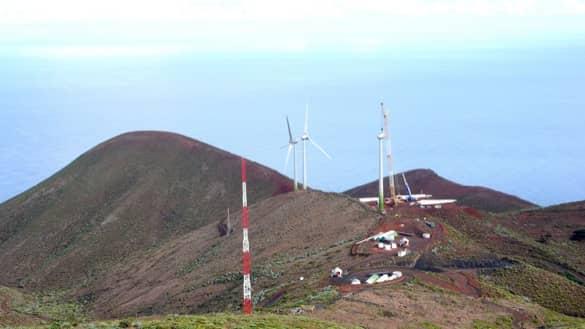isla-El_Hierro-montaje-aerogeneradores