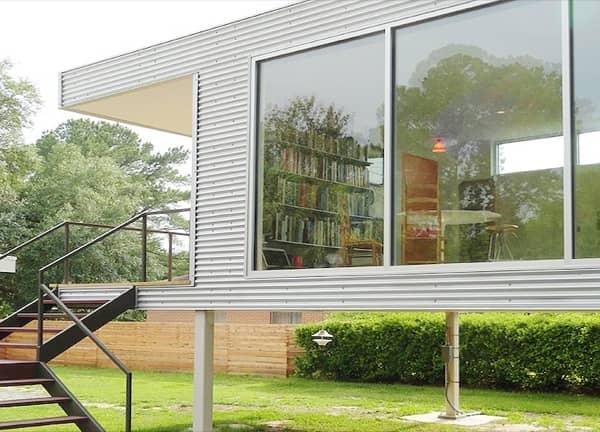 casa-prefabricada-Think-Tank-fachada-acristalada