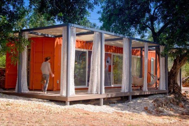 Nomad-Living-contenedor-habitacion-huespedes-exterior
