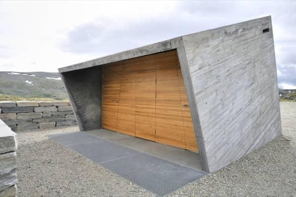 entrada-Flotane-refugio-lavabos-Noruega