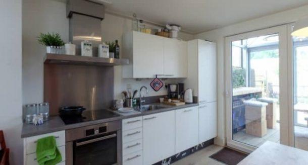 interior-House_With_a_Skin-cocina