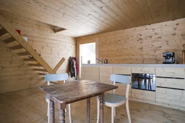 interior-planta-baja-Windig-casa-minima-madera